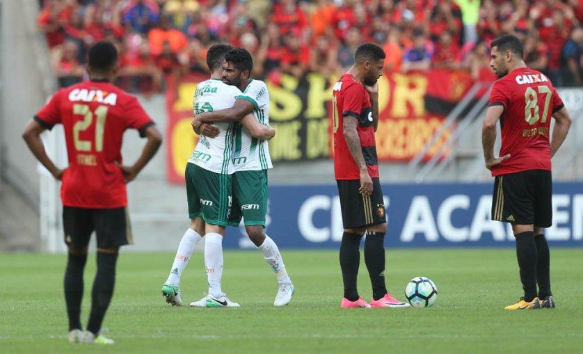Fora de casa, Palmeiras bateu o Sport por 2 a 0 com gols no primeiro tempo. (Cesar Greco/Ag Palmeiras/Divulgação)