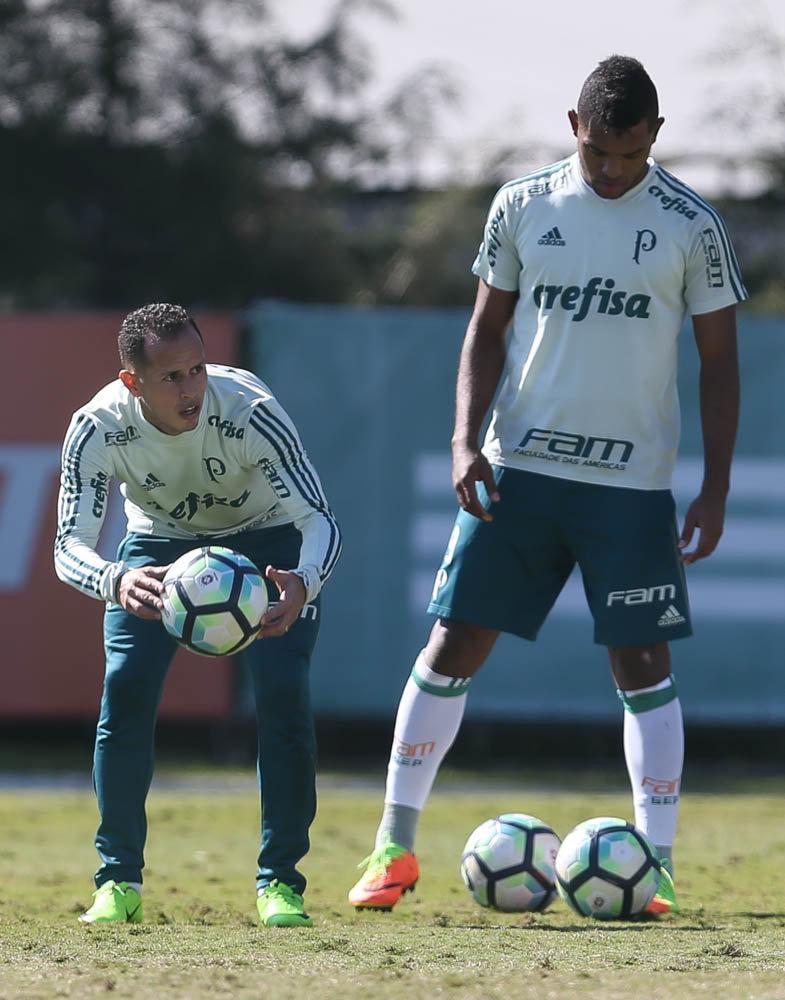 Guerra e Borja treinaram normalmente nesta segunda-feira (10). (Cesar Greco/Ag. Palmeiras/Divulgação)