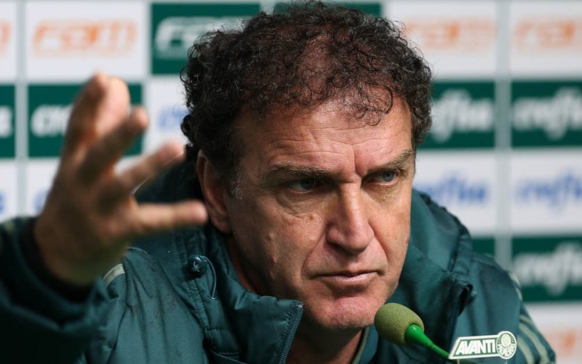 O treinador do Verdão concedeu entrevista coletiva na tarde desta sexta-feira (18). (Cesar Greco/Ag. Palmeiras/Divulgação)