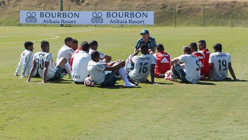 Em Atibaia, elenco palmeirense segue preparação para enfrentar Barcelona-EQU. (Cesar Greco/Ag. Palmeiras/Divulgação)