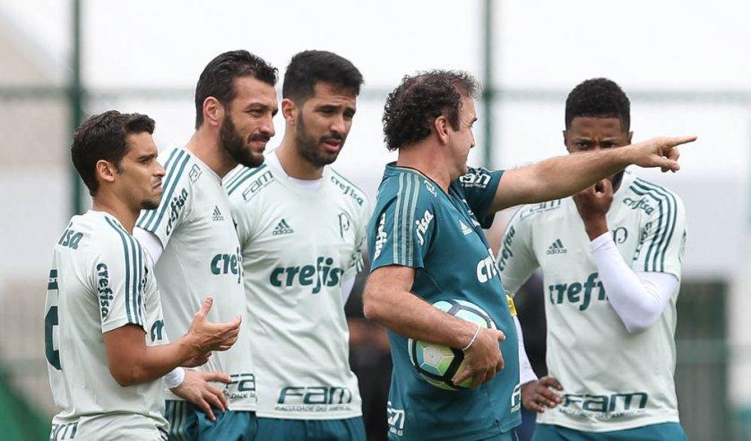 Cuca manteve a defesa dos últimos jogos, com Jean, Edu Dracena, Luan e Michel Bastos. (Cesar Greco/Ag Palmeiras/Divulgação)