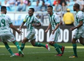 Palmeiras bate o Grêmio e assume a vice-liderança do Brasileirão
