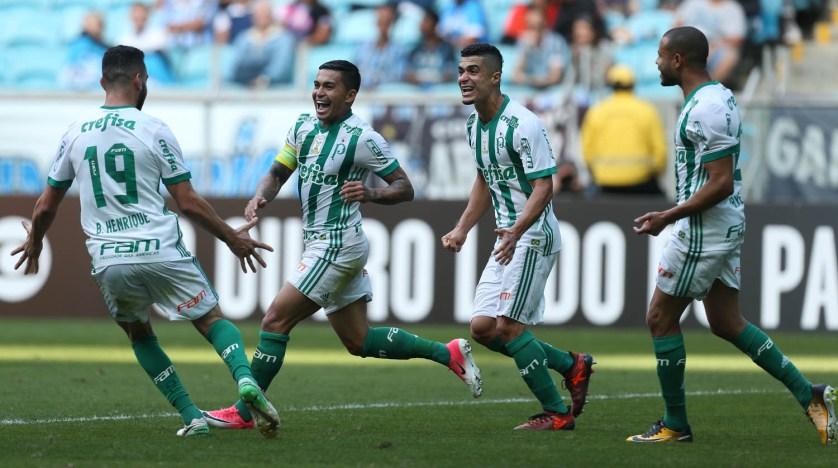 Dudu marcou dois gols na vitória do Palmeiras contra o Grêmio, em Porto Alegre. (Cesar Greco/Ag. Palmeiras/Divulgação)