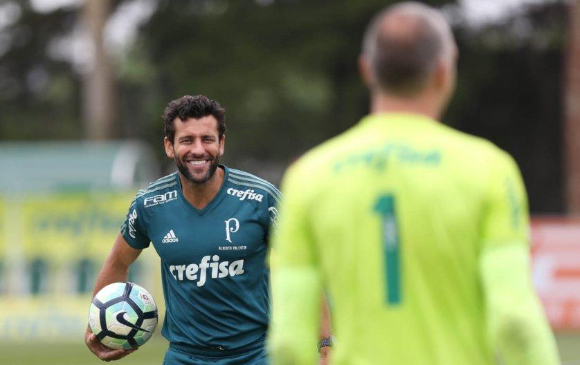 Alberto Valentim comandou atividade técnica antes do duelo com o Grêmio. (Cesar Greco/Ag. Palmeiras/Divulgação)