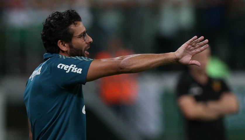 O técnico Alberto Valentim ficou satisfeito com o desempenho do time nesta quinta (16). (Cesar Greco/Ag Palmeiras/Divulgação)