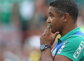 Em 'jogo difícil' contra Inter, Roger valoriza primeira vitória no Brasileirão