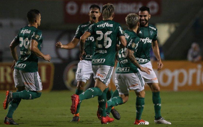 Com emoção, o Verdão se classificou para a final nos pênaltis contra o Santos. (Cesar Greco/Ag Palmeiras/Divulgação)