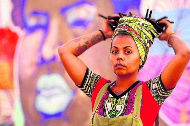 Coordenadora geral da Casa Akotirene, Joice Marques denuncia que, após a abolição, os avanços sociais foram poucos, comparados aos danos provocados pela escravidão -  (crédito: Carlos Vieira/CB/D.A Press)