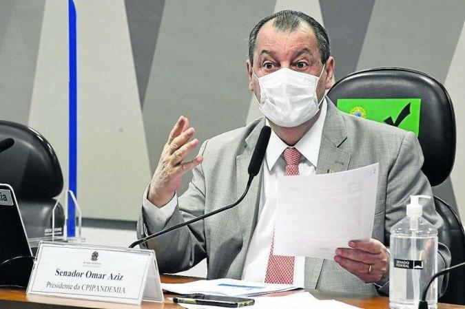 Aziz gets annoyed when he reads Sírio's report on Tolentino, who should go to the CPI - (credit: Roque de Sá/Agência Senado)