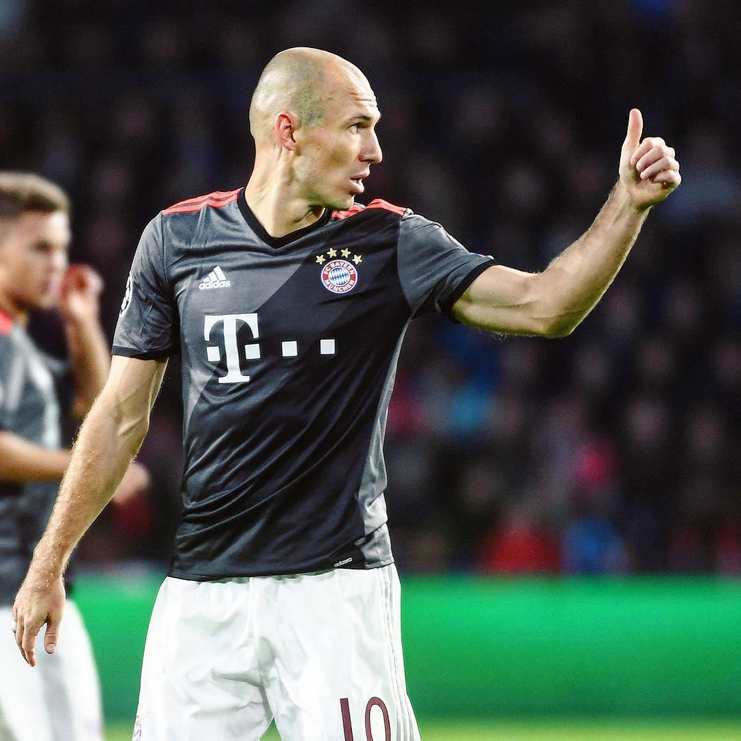 Resultado de imagem para Robben vira desfalque e Bayern coleciona problemas para pegar o Borussia