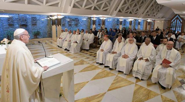 El Papa advierte contra una doble vida que lleva a no anunciar bien el Evangelio