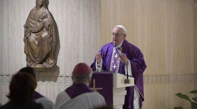 Papa Francisco: ¿Construyes tu vida sobre la roca de Dios o sobre la arena?