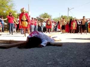 GALERÍA: PARROQUIA CRISTO BUEN PASTOR LLEVA A CABO SU VIACRUCIS