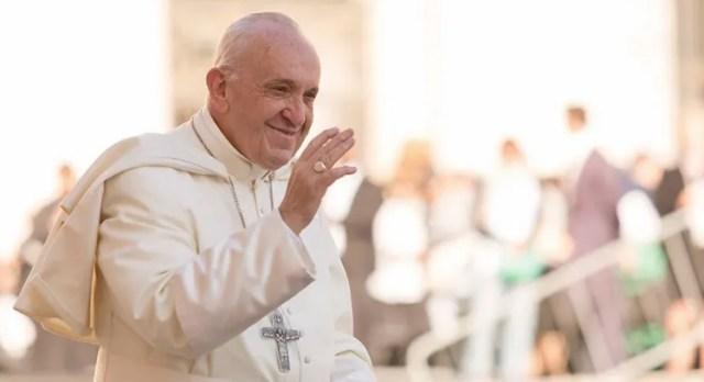 """El Papa Francisco invita a rezar """"Un minuto por la paz"""" el 8 de junio"""