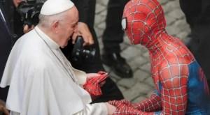 ¿Spiderman con el Papa? Esta es la historia del encuentro viral