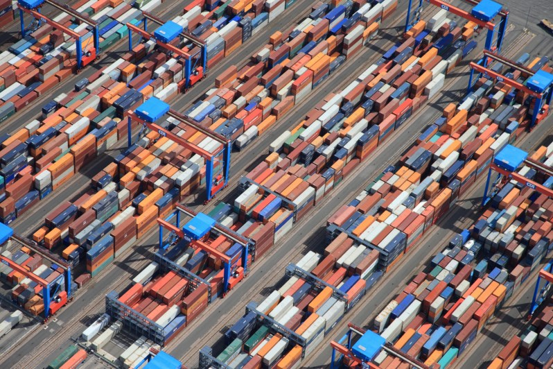 container_containerumschlag-in-hamburg_copyright_hhm_lindner