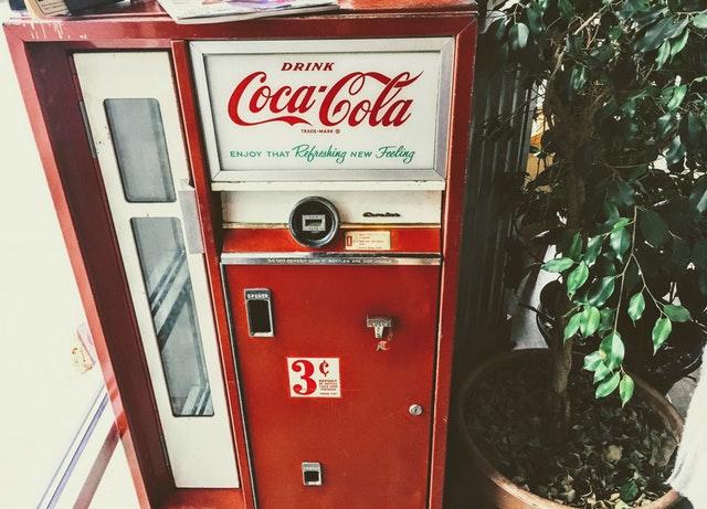 coca-cola-machine-mobilechallenge-899786.jpg