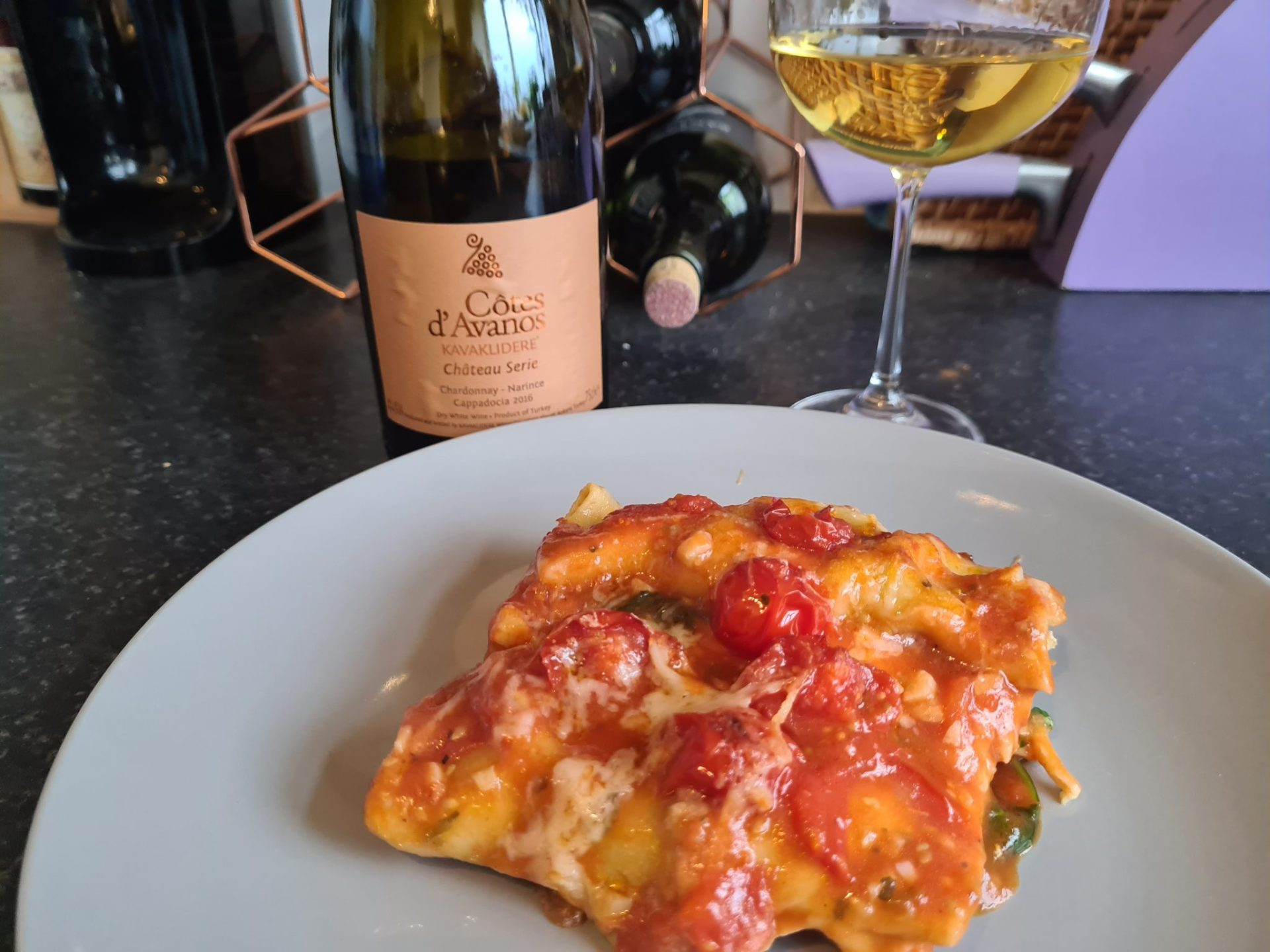 Pairing Wine and Food # 5 | Cotes D'Avanos  Narince-Chardonnay 2016 + Ricotta & Spinach Cannelloni