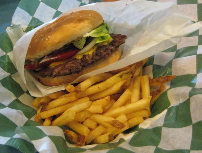 BBQ Station Cheeseburger