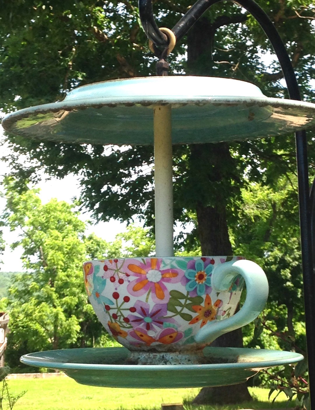 Birdfeeder Made from Cup and Saucer