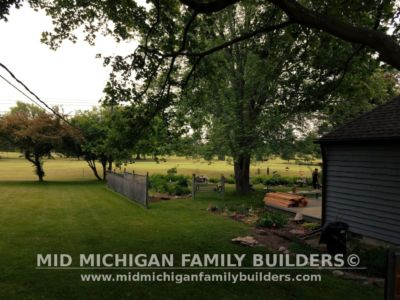Mid Michigan Family Builders Custom Hand Built Cedar Shadow Box Fence 06 25 2018 03