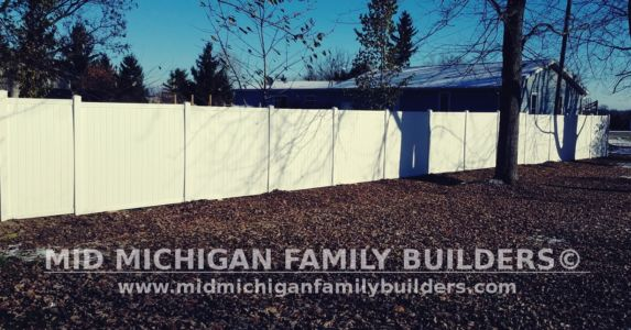Mid Michigan Family Builders Vinyl Fence Project 11 2018 03