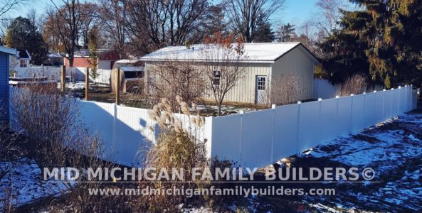 Mid Michigan Family Builders Vinyl Fence Project 11 2018 04