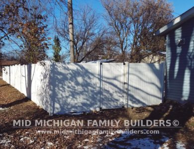Mid Michigan Family Builders Vinyl Fence Project 11 2018 05