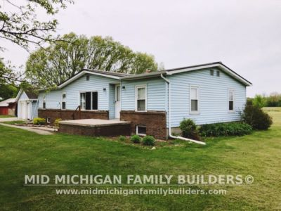 Mid Michigan Family Builders Vinyl Siding 06 11 2018 03