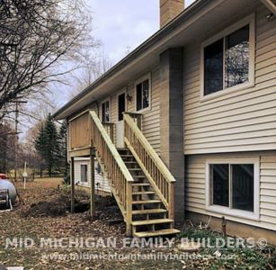 Mid Michigan Famnily Builders Deck Project 11 2018 04