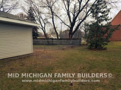 Mid Michigan Family Builders Metal Fence Chain Link 04 2019 01 02