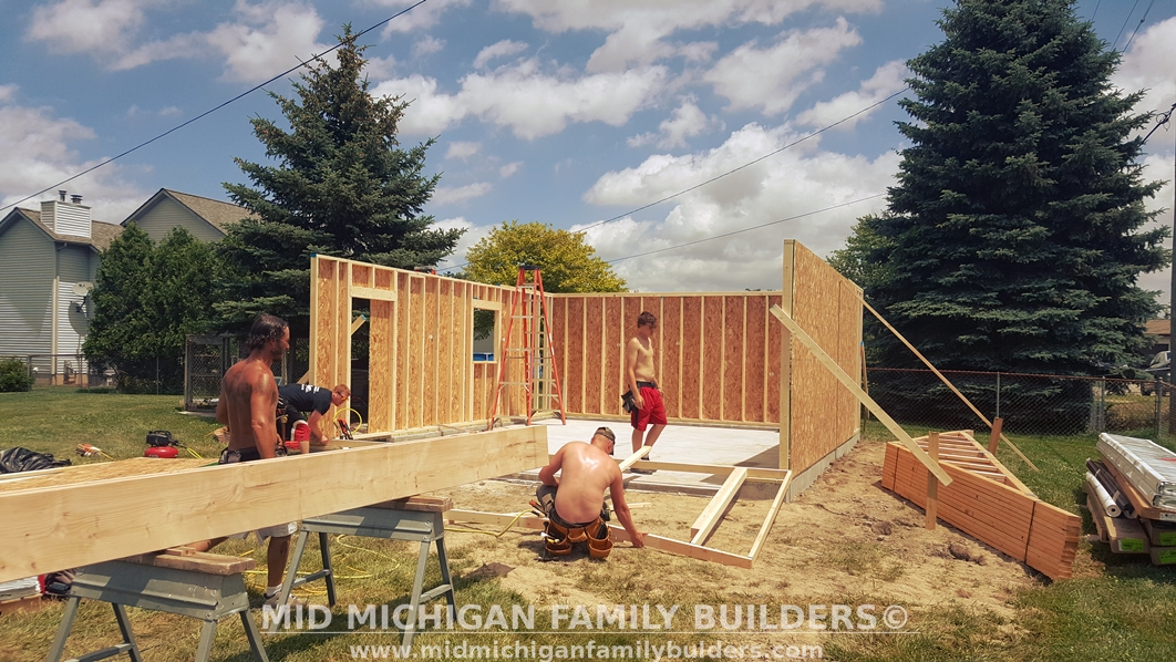 Mid Michigan Family Builders Custom Construction Project Pole Barn Structures Garage