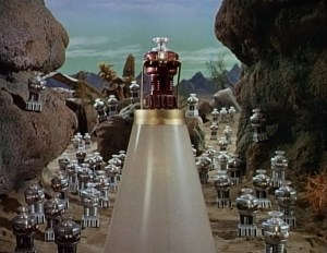 lost-in-space-the-mechanical-men