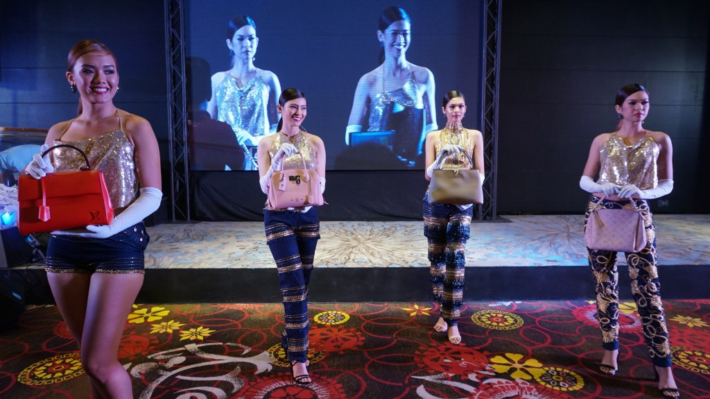 MIDORI'S THRILLBLAZING 3 GRAND FASHION SHOW
