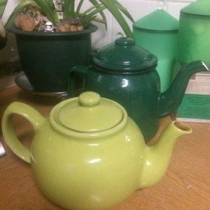 two green teapots - midorigreen.co.uk