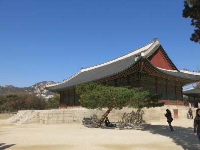 Gangnyeongjeon, the queen's quarters