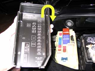 ec345efffa6abfd3f8cdda5a1156590f?w=720 how to remove the ecu fuse and negative battery terminal camp how to remove a fuse from a car fuse box at nearapp.co