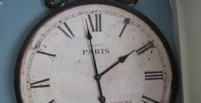 daylight-savings-clock
