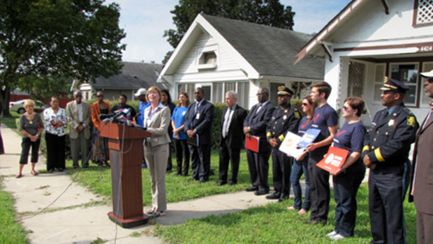 Jackson County Prosecutor Jean Peters Baker and others oppose a state gun bill.