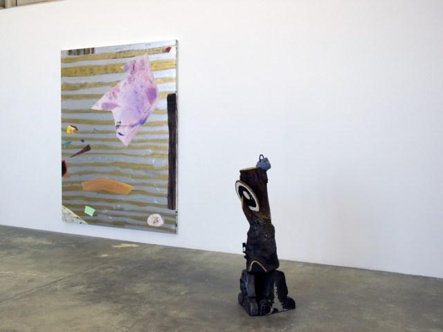 Diamond Hand Grenade, installation view. Left : Rebecca Morris. Right: Anna Sew Hoy.