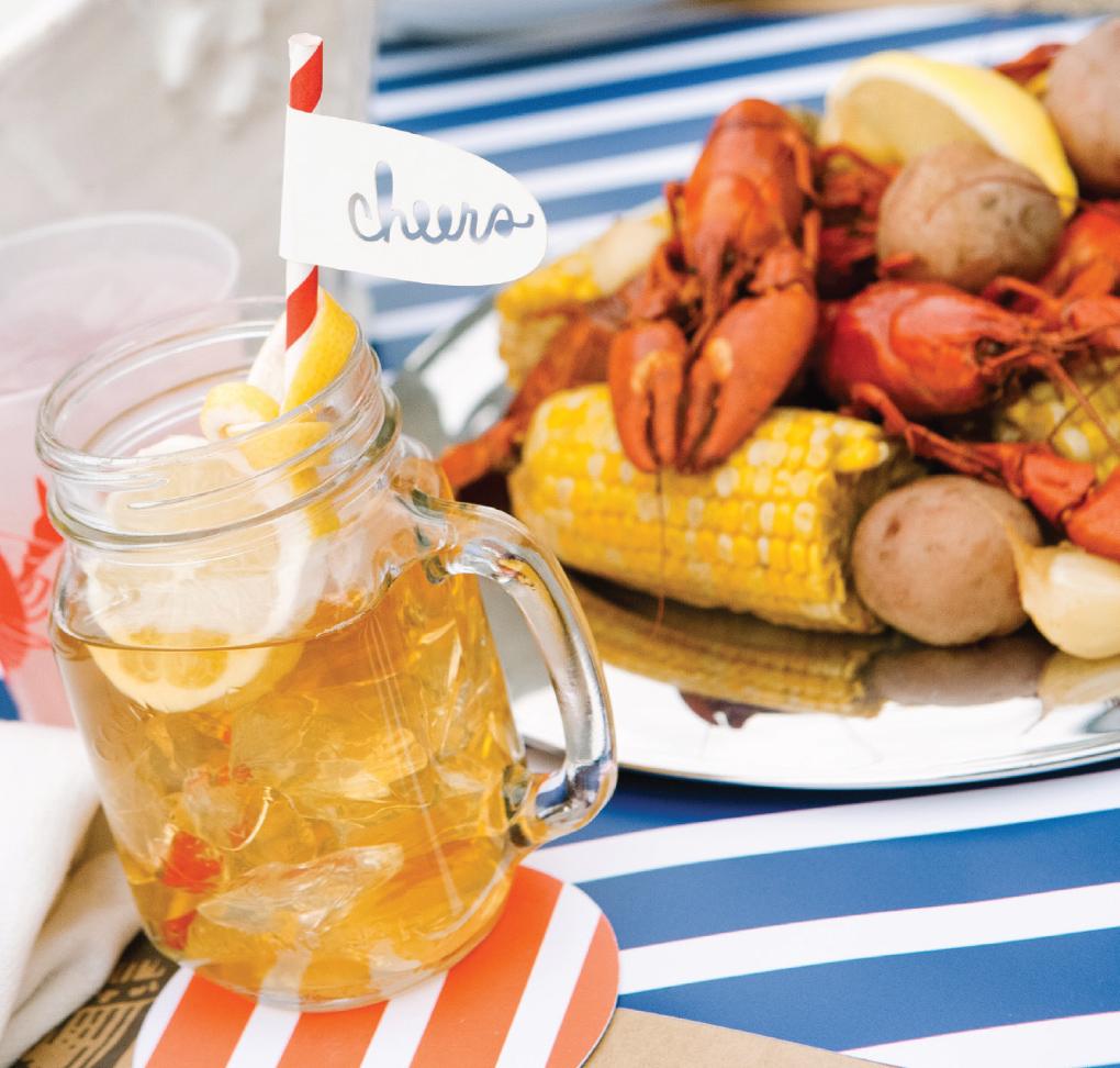 Crawfish-Feast_Outdoor-Summer-Entertaining-Glassware