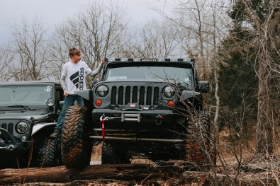 MWJT Club Members Offroad posing by the creek at Moonlight Off-Road Racing