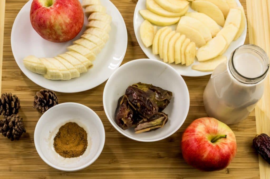 Ingredients to make a Apple Pie Almond Milk Smoothie.