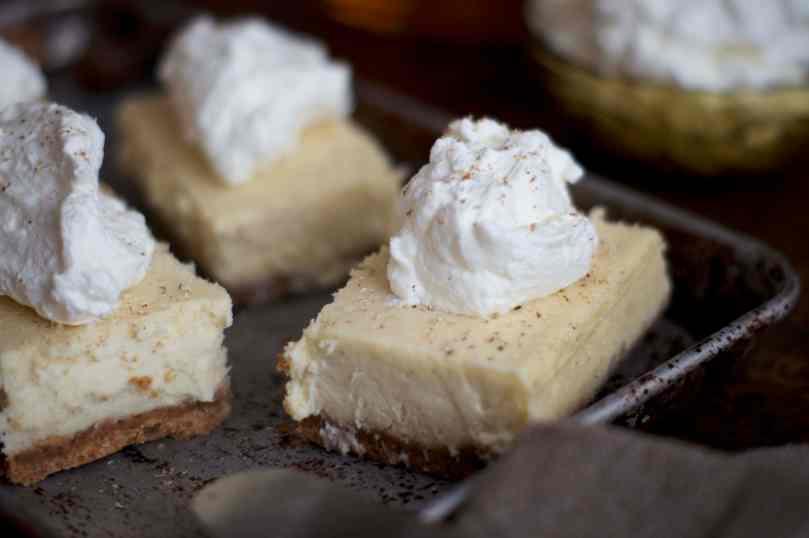 Eggnog Cheesecake Bars | www.midwestniceblog.com