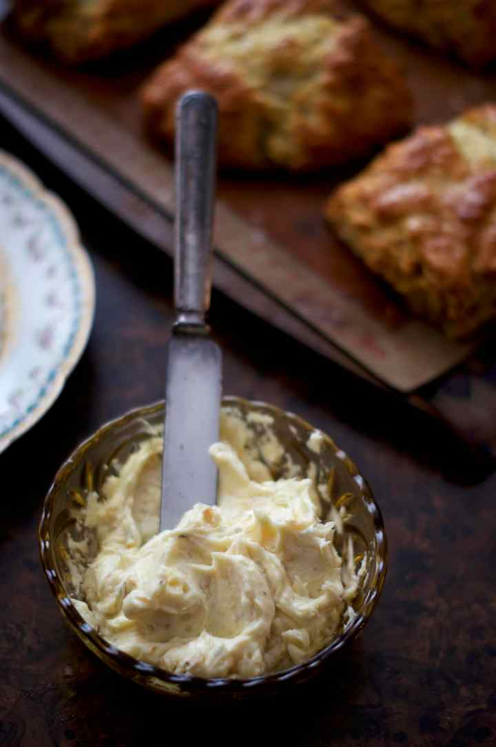 French Onion Scones with Roasted Garlic Butter | via Midwest Nice Blog