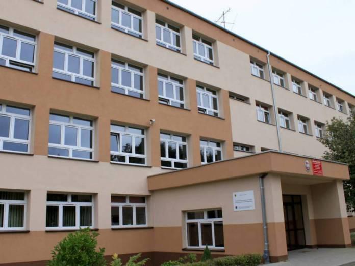 2013-09-18-modernizacja-szkoly-im-Wyzykowskiego@Glogow(fot.D.Jeczmionka)-01-
