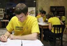 2013-12-11-maraton-pisania-wierszy@Glogow-fot.zrodlo-PAP-ai_maraton_pap_600