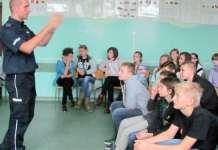 zdjęcie 2013-12-11-spotkanie-policji-z-mlodzieza@Glogow-Przechwytywanie w trybie pełnoekranowym 2013-12-13 134312