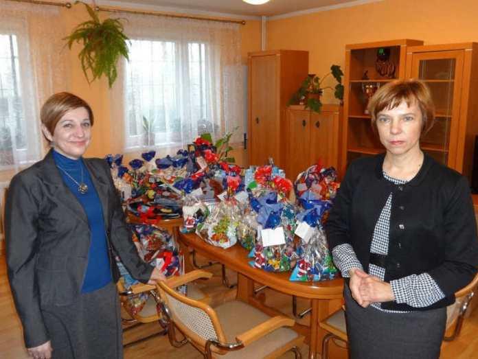 2013-12-27-przekazanie-pieniedzy-dla-dzieci-z-domu-dziecka@Glogow-DSC00435.jpg1