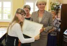 zdjęcie 2014-09-23-sypendium dla Honoraty Ewa Drozd@Głogów-num